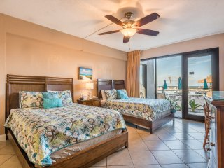 First Floor Amazing Ocean Front Studio with Private Walkway to the Pool!!
