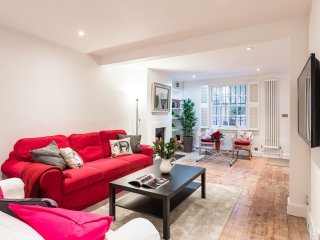 CHELSEA LONDON TOWN HOUSE - GREAT PLACE TO STAY - UPMARKET CENTRAL LOCATION