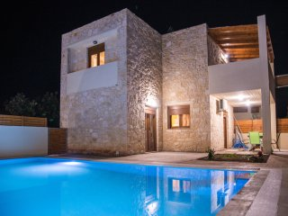 RUBY Uphoria villa with 46 sqm swimming pool