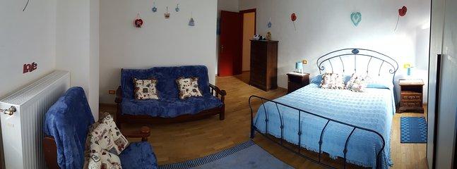 Deuxième chambre avec un lit double