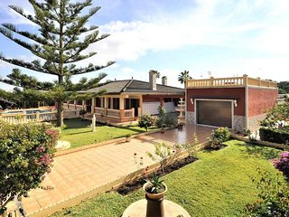 Villa in Bahia Grande for 6 people with 3 Bedrooms (Mallorca)