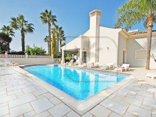 Villa Hollywood - THIS VILLA IS A STUNNING LARGE PROPERTY W/ WI-FI, A/C & HEATAB