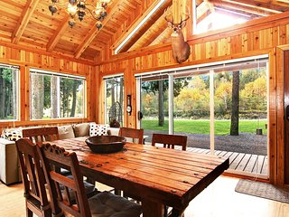 2-4 Guest Rustic Cabin Off Chilliwack River