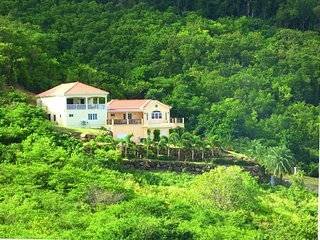 CACTUS HOUSE --- Luxury, convenience but with total privacy and stunning views