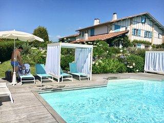 Biarritz a 10', belle propriete avec piscine, proche du golf d'Arcangues