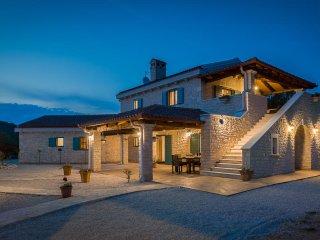 Villa Tovarovica