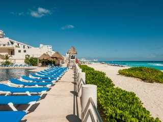 Amazing Loft Hotel Zone of Cancun Direct Acess to Beach