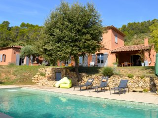 Wellness in a comfortable villa in Provence Verte walking distance to Cotignac