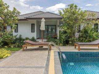 New 1 Bedroom & Pool near Beach A