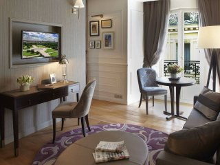 Fall in love with Paris, one of the most sought-after addresses in the City