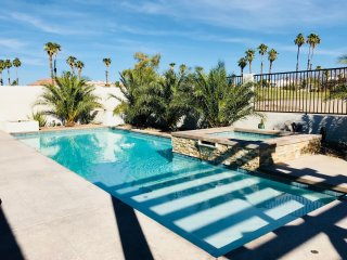 Awesome Pool/Yard - Fully Remodeled (2017) - Prestigious Golf Home