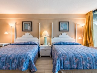 Freshly Updated Direct Ocean Front Studio!! Sleeps 4!!