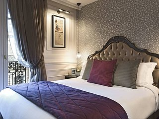 Exclusive Suite offers every comfort expected of a 1st class Parisian apartment
