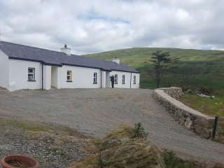 Pat Whites Luxurious Traditional Irish Cottage in the Mourne Mountains