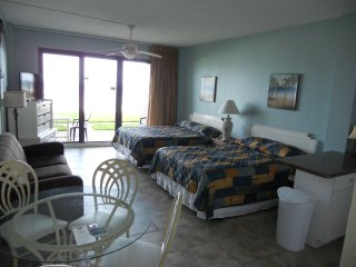 First Floor Private Paradise Ocean Front Studio Sleeps 6!! December available!!