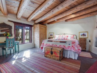 Cimarron Cabana - Feel at Home In This East Side Charmer!