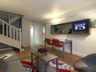 2 bedroom apartment close to Trafalgar Square