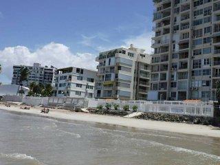 Elegant Beachfront Breathtaking Ocean-View - WiFi
