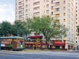 Avenue Plaza in Beautiful Garden District - 1 Bedroom Suite - Jazz Fest Weekend!
