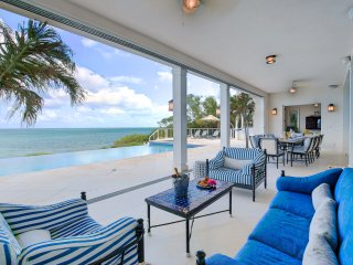 Azure Villa - 5 bedroom, 5000 sq ft home with private pool and amazing outdoor e