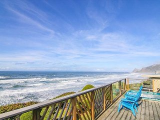 Oceanfront Home with Hot Tub.  Just Steps to the Beach!