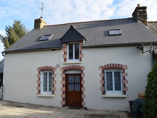 Comfortable Rural Cottage near Josselin