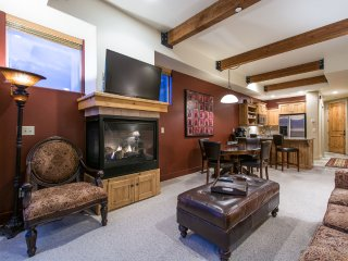 Newpark Townhome 11