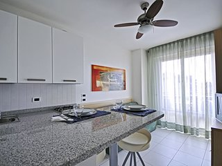 Seafront Studio Apartment in Residence with Wi-Fi - Parking and Private Beach