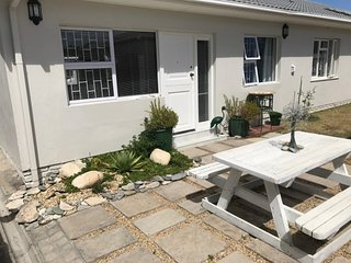 Modern, near beach, shops, restaurant, accommodation Cape Town