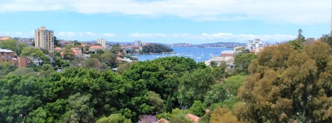 1 Bed North Sydney Bolt Hole With Stunning Neutral Bay Views
