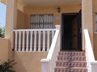 A nicely located ground floor apartment in La Cinuelica R2, Calle Egipicos