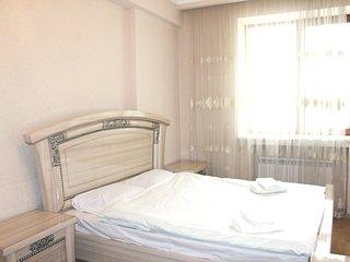 White Luxe apartment on Amiryan 4/6