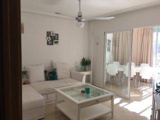 2 bedroom central apartment in Benidorm sleeps 6