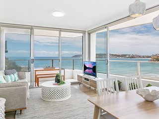 Bright 2-bed overlooking famous Freshwater Beach