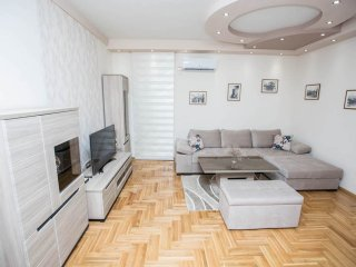 TREBINJE - CENTER: LUXURY ONE-BEDROOM APARTMENT 'LUNA'