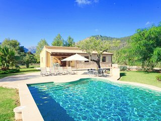 Catalunya Casas: Tranquil Villa Lena for 4 guests, 7km to Mallorca's beaches!