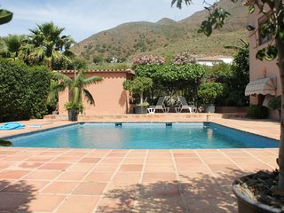 Wonderful country villa with pool near Estepona