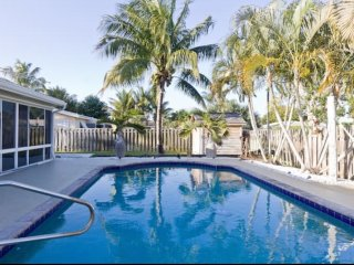Boca Beach House with Pool & Tiki