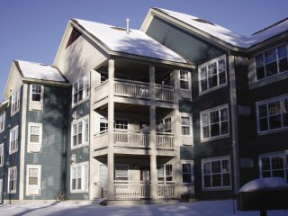 Smugglers' Notch * 2 Bedroom, Sleeps 8
