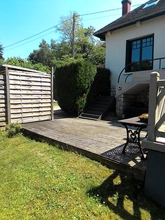 COTTAGE on the SEINE river, in 15 min FONTAINEBLEAU, INSEAD, 50 min from PARIS
