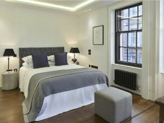 ♤ Charing Cross Boutique Apartment ♤