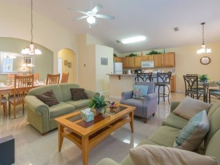 Fully featured single floor home, just a 20 minute drive to Disney World.