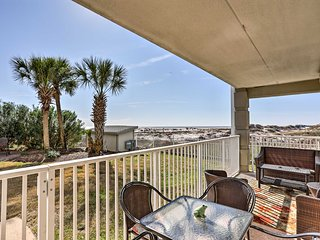 Oceanfront Dauphin Island Condo w/ Pool & Views!