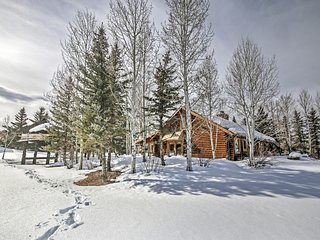 3BR Snowmass Home w/ Hot Tub, Steam Shower & Views