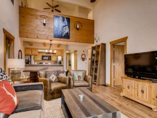 Excellent Value for Best Unobstructed Views of Lake Dillon/Gore Range, Hot Tub,