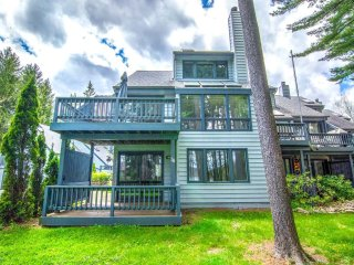 With a great lakefront and convenient central location, Arrowhead #26 showcases