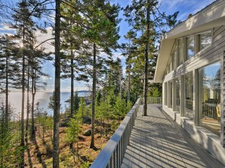 NEW! 2BR Oceanfront Cottage on 2 Acres by the Bay!