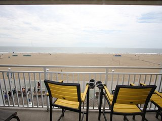 Huge Oceanfront Boardwalk Condo 401 - Linens/Towels/Supplies Incl - Open all yr