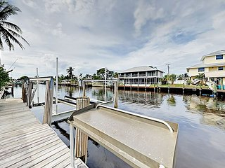 Matlacha 3BR Canal Home w/Private Pool & Dock - Pedal to Cafes & Shops