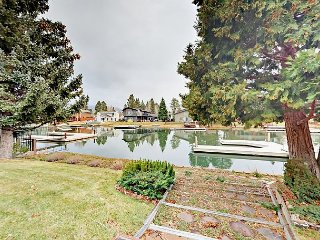 4BR Waterside Home w/ Private Boat Dock - Minutes to Skiing & Downtown